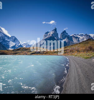 Trail into the Torres del Paine mountain range. - Stock Image
