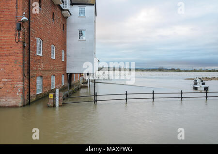 Tewkesbury. 4th Apr, 2018. UK Weather: The Old Mill in Tewkesbury with the River Avon in heavy flood during April 2018. Credit: Simon Crumpton/Alamy Live News - Stock Image