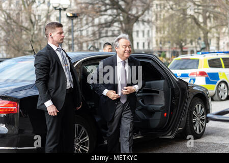 Stockholm, Sweden, 23th April, 2018. UN Secretary-General and Security Council to meet in Sweden. UN Secretary-General António Guterres arrives at the National Library of Sweden. Credit: Barbro Bergfeldt/Alamy Live News - Stock Image