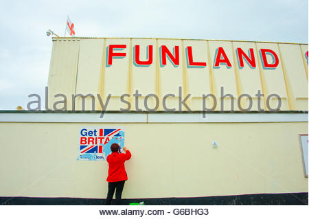 Southport, Lancashire, UK 24th June 2016. On the day Britain votes to leave the European Union,  a cleaner, cleans - Stock Image