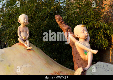 Sculpture at the 798 Art Zone (Dashanzi Art District) in Beijing, China, Asia - Stock Image