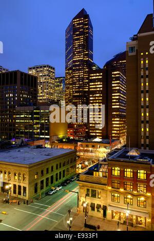 Downtown Calgary, Alberta Canada at night - Stock Image