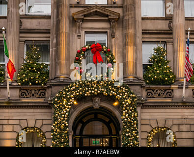 Edinburgh, Scotland, United Kingdom, 8th November 2018. Christmas celebrations: A busy Saturday in the capital city centre. The beautifully decorated grand frontage of The Principal Hotel on George Street - Stock Image