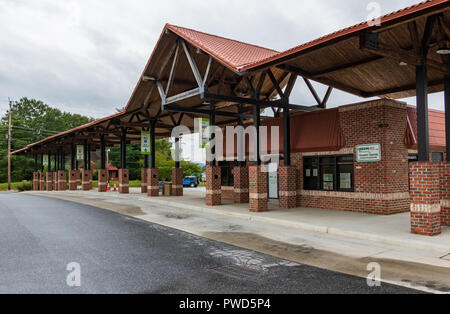 HICKORY, NC, USA-10/14/18: The downtown local bus station, or Transit Center, on a Sunday morning. - Stock Image