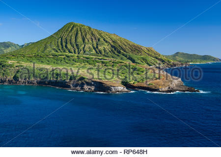 Koko Head Crater above Palea Point at the entrance to Hanauma Bay, Koko Head District Park, Hawaii Kai, Oahu, Hawaii, USA - Stock Image