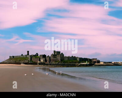 RS 8034  Peel Castle and ruins at sunset, Peel, Isle of Man, UK - Stock Image
