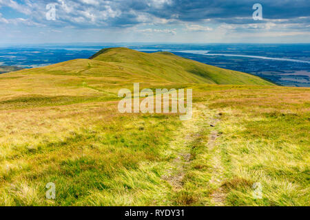 The ridge to Ben Ever from near the summit of Ben Cleuch in the Ochil Hills, Clackmannanshire, Scotland, UK - Stock Image