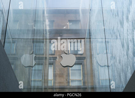 glass fountain at the Apple Store in Liberty Square, designed by architect Norman Foster, Milan, Italy - Stock Image