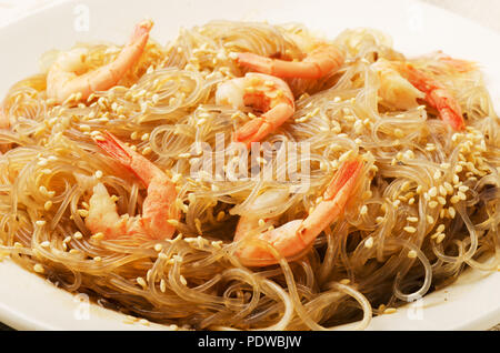 Сellophane noodles or thai vermicelli stir-fried with shrimps and vegetables - Stock Image