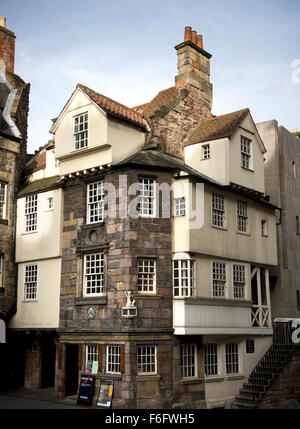 Looking across the Royal Mile street to the 16 century building of John Knox House - Stock Image