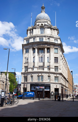 Grade II listed Lowndes House, the former Singer sewing machine building, London England. - Stock Image