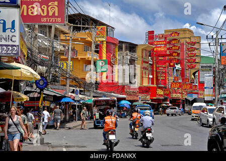 Pattaya high street with gold shops dominating the area. - Stock Image
