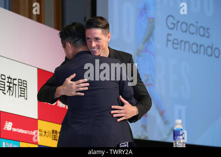 Tokyo, Japan. 23rd June, 2019. (L to R) Minoru Takehara, Fernando Torres (Sagan) Football/Soccer : Spanish footballer Fernando Torres attends a press conference and announces his retirement in Tokyo, Japan . Credit: YUTAKA/AFLO SPORT/Alamy Live News - Stock Image