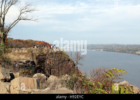 Tourists at State Line Lookout on the Palisades, Alpine, NJ - Stock Image
