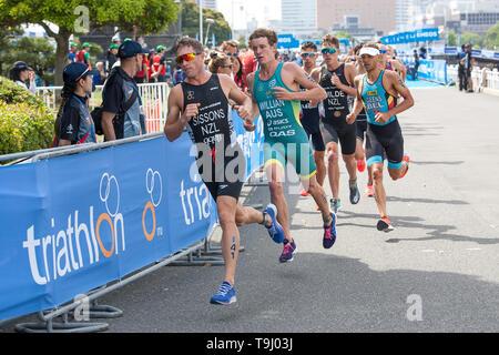 Yokohama, Japan. 18th May, 2019. 2019 ITU World Triathlon, World Paratriathlon Yokohama at Yamashita Park and Minato Mirai, Yokohama. Sissons (Photos by Michael Steinebach/AFLO) Credit: Aflo Co. Ltd./Alamy Live News - Stock Image