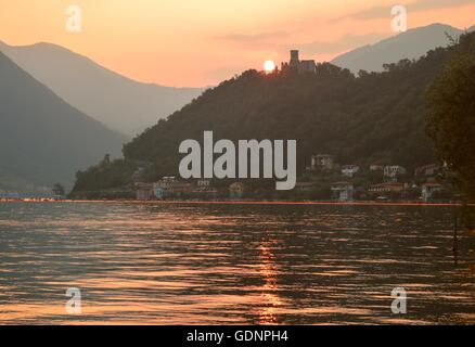 Sunset on Rocca Martinengo, Montisola, Lake Iseo (Italy) during the Floating Piers - Stock Image
