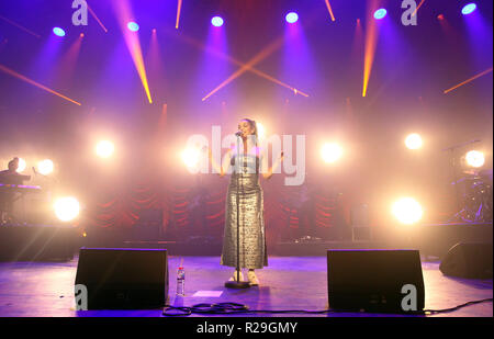 British singer/songwriter Jorja Smith performing on the first of two sold out night's at O2 Academy Brixton on Wednesday 17th October 2018 (Photos by Ian Bines/WENN)  Featuring: Jorja Smith Where: London, United Kingdom When: 17 Oct 2018 Credit: WENN.com - Stock Image