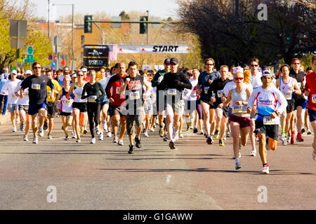 Starting Line at the Cherry Creek Sneak in Denver - Stock Image