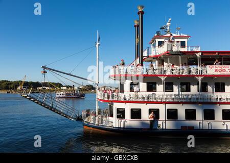 Savannah riverboat, Georgia Queen, Savannah, GA, USA - Stock Image