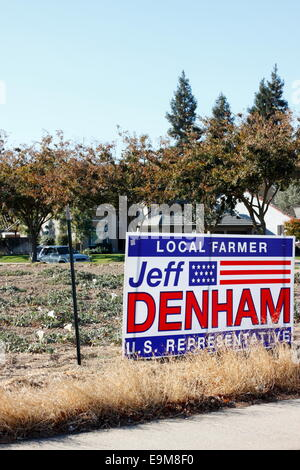 Modesto, Stanislaus county, California, USA. 29th October, 2014. Approximately a week after appearing, signs paid - Stock Image