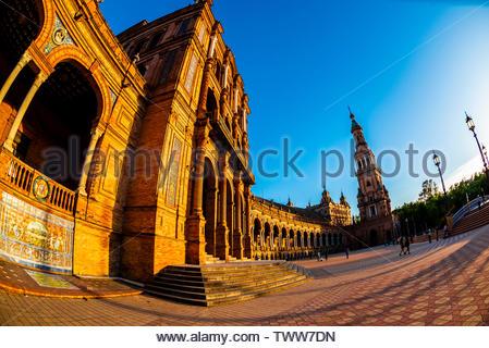 Plaza de Espana, Parque Maria Luisa, Seville, Andalusia, Spain. - Stock Image
