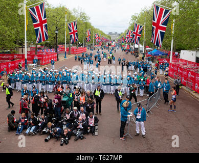 London, UK. 28th April 2019,Photographers waiting for the runners to cross the finish line of The London Marathon in The Mall.Credit Keith Larby/Alamy Live News - Stock Image