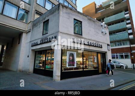Vidal Sassoon in City of London, London, England, UK - Stock Image