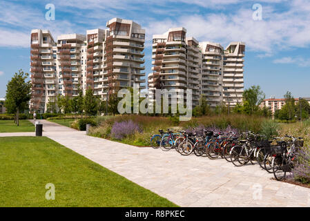 Horizontal view of the Libeskind residences in Milan, Italy. - Stock Image