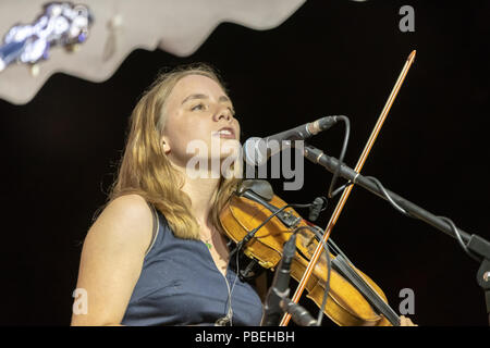 Bournemouth, UK. 27th July 2018. Midnight Skyracer play as people enjoy the live bluegrass and country music, beer and food on offer at the Beer and Bluegrass Festival in Bournemouth. Credit: Thomas Faull/Alamy Live News - Stock Image