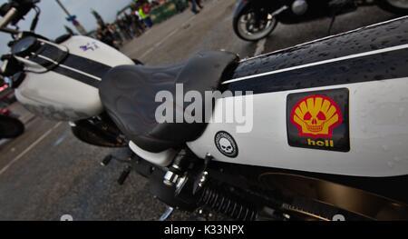 Hamburg Harley Days 2016, (s)Hell sticker on bike - Stock Image