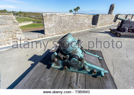 A mortar and cannon on display at the Castillo de San Marcos, a Spanish fortification at St. Augustine, Florida USA - Stock Image