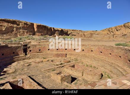 Kiva, Chetro Ketl, Chaco Canyon, Chaco Culture National Historical Park, New Mexico, USA 180926_69551 - Stock Image