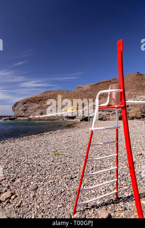 Red lifeguard seat at Puerto de Aldea, Gran Canaria, Canary islands - Stock Image