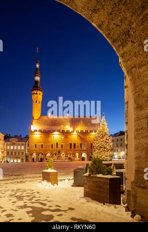 Winter evening at the town hall in Tallinn old town. - Stock Image