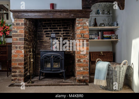 Interior of Monks Cottage, a medieval building built in the 1300s with many original features © Jeremy Graham - Stock Image