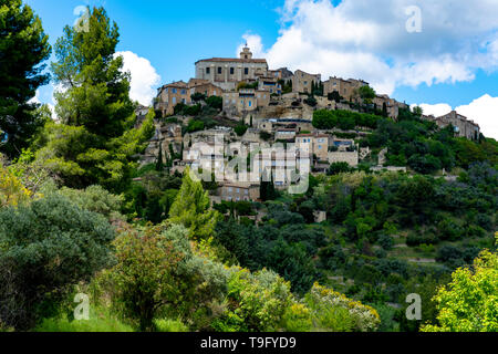View on Provencal ancient town Gordes, tourists and vacation destination in South of France - Stock Image