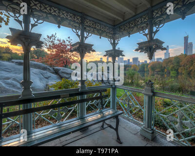 Ladies' Pavilion Central Park in autumn, early morning - Stock Image