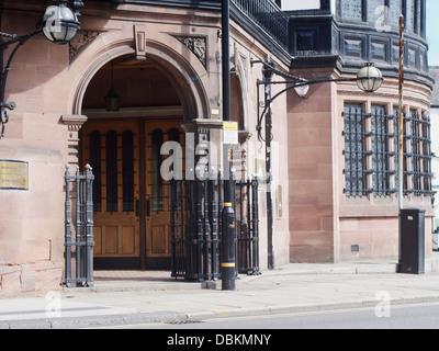 Altrincham: Market Square The old Mock Tudor  Bank listed building - Stock Image