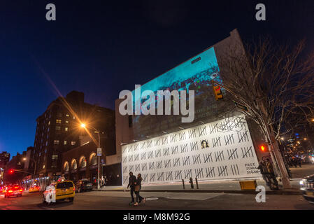 New York, NY, USA - 18 March 2018 -New Yorkers flock to Houston Street to view one of two new pieces by British - Stock Image