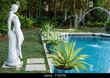Miami Beach Miami Florida Beach Botanical Garden Garden Tour private home 3001 Pinetree Drive 1933 Mediterranean style pool foun - Stock Image