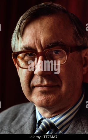 William Rees-Mogg in 1985. Former Editor of The Times of London. William Rees-Mogg, Baron Rees-Mogg (14 July 1928 – 29 December 2012) was a British newspaper journalist, who was the Editor of The Times from 1967 to 1981. In the late 1970's he served as High Sheriff of Somerset, and in the 1980's was the Chairman of the Arts Council of Great Britain and Vice-Chairman of the British Broadcasting Corporation's Board of Governors. - Stock Image