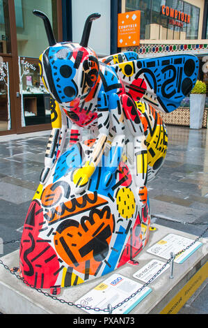 'Love' by Caroline Dowsett.  One of the Bee in the City sculptures, Spinningfields, Manchester, UK. - Stock Image