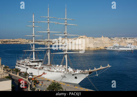 The Algerian National Navy sail training ship El-Mellah in Malta's Grand Harbour - Stock Image