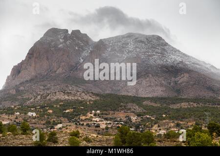 Benidorm, Costa Blanca, Spain. 2nd Feb, 2018. The temperature in the popular resort of Benidorm has plummeted to - Stock Image