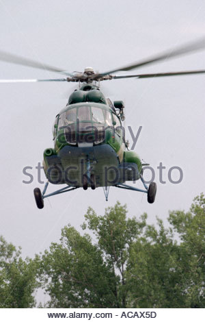 Croatian AF Mi 17 MTV1 helicopter landing during Na nasipu airshow 2005 held in Zagreb in Croatia - Stock Image