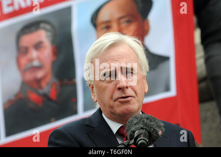 London, UK. 1st May, 2019. John Martin McDonnell British Labour Party politician the Shadow Chancellor of the Exchequer the Member of Parliament for Hayes and Harlington. Mayday rally in Trafalgar Square. Credit: JOHNNY ARMSTEAD/Alamy Live News - Stock Image