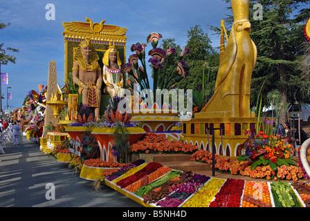 Rose Parade Float 'Celebrating Treasures of Egypt' Past Presidents' Trophy winner Cairo - Los Angeles - Stock Image