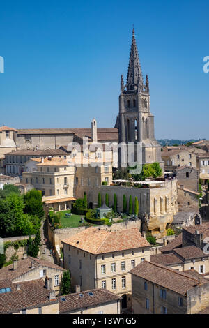 A view from the our Tdu Roi (King's Tower) in St Emillion, a picturesque village in the wine-producing Bordeaux Region of France - Stock Image