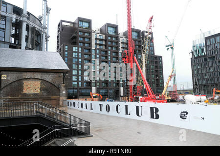 Apartments under construction in Lewis Cubitt Square and Coal Drops Yard in the Kings Cross redevelopment area of London NC1 England UK  KATHY DEWITT - Stock Image