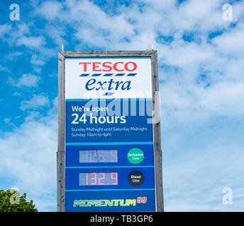 Tesco Extra supermarket. UK - Stock Image